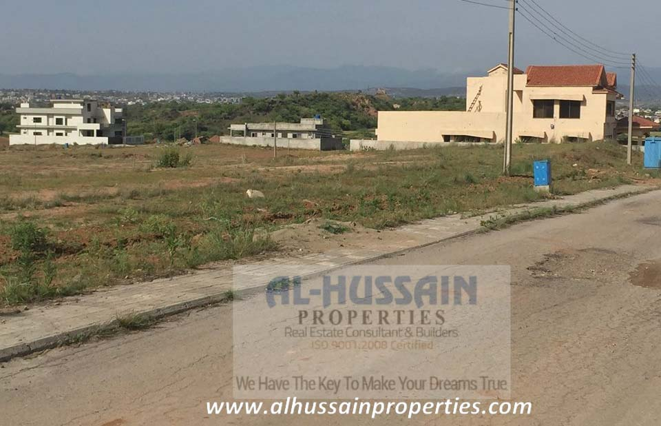 "DHA Islamabad Phase '5' Secter ""D""Corner Plot for Sale"