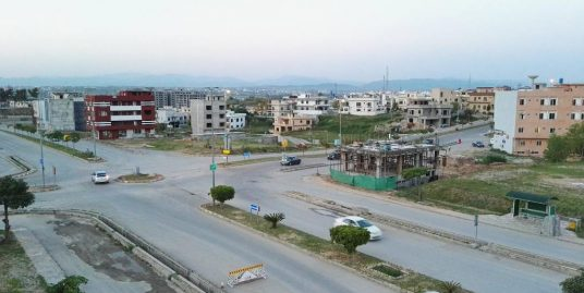 """1 Kanal Plot is Available for Sale in DHA Phase """"2"""" Secter""""J"""" Street#08"""